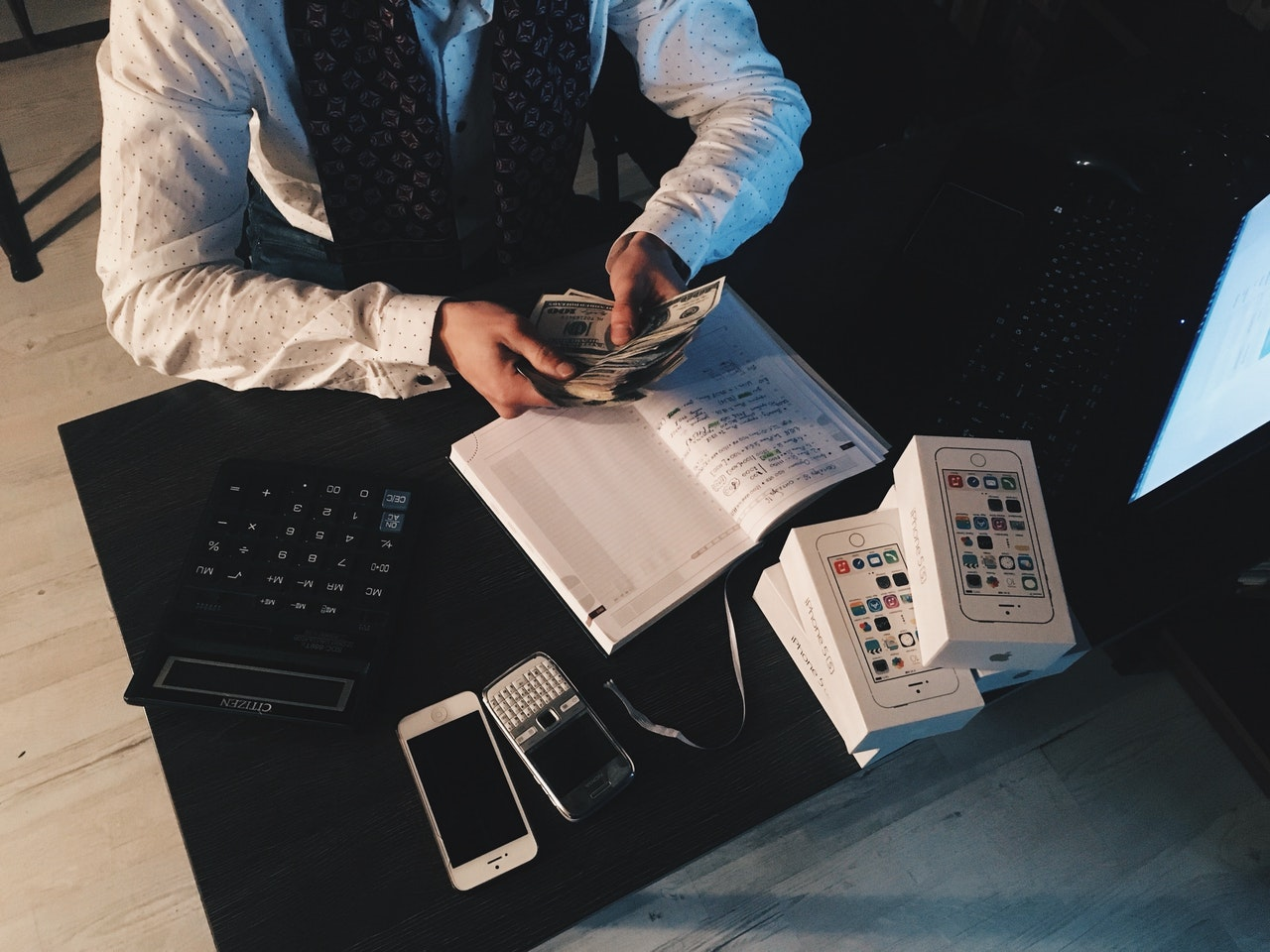 Understand the difference between accrual and cash accounting and how to choose what's best for your small business