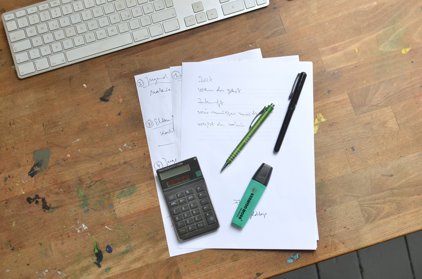 A checklist of startup accounting month end close